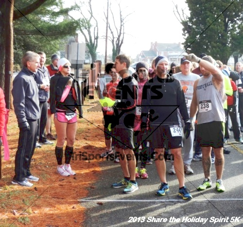 Share the Holiday Spirit 5K<br><br><br><br><a href='http://www.trisportsevents.com/pics/033.JPG' download='033.JPG'>Click here to download.</a><Br><a href='http://www.facebook.com/sharer.php?u=http:%2F%2Fwww.trisportsevents.com%2Fpics%2F033.JPG&t=Share the Holiday Spirit 5K' target='_blank'><img src='images/fb_share.png' width='100'></a>
