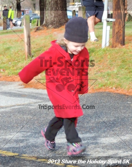 Share the Holiday Spirit 5K<br><br><br><br><a href='http://www.trisportsevents.com/pics/040.JPG' download='040.JPG'>Click here to download.</a><Br><a href='http://www.facebook.com/sharer.php?u=http:%2F%2Fwww.trisportsevents.com%2Fpics%2F040.JPG&t=Share the Holiday Spirit 5K' target='_blank'><img src='images/fb_share.png' width='100'></a>