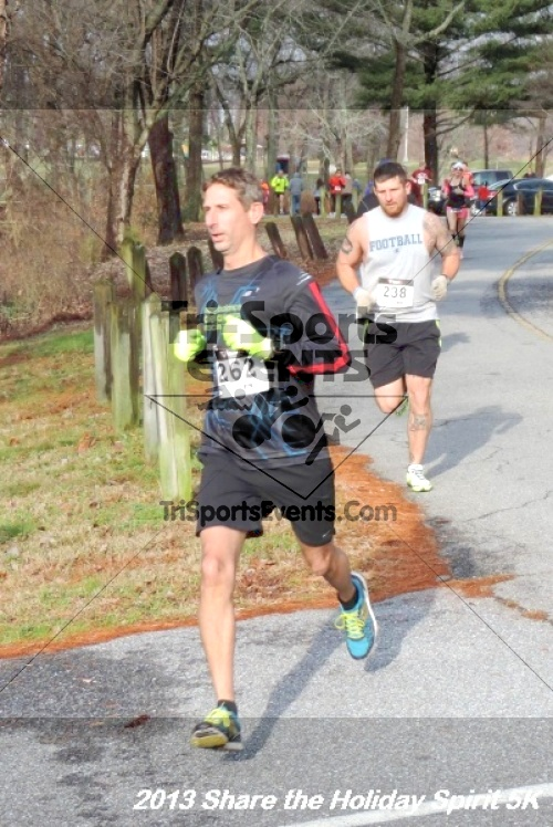 Share the Holiday Spirit 5K<br><br><br><br><a href='http://www.trisportsevents.com/pics/041.JPG' download='041.JPG'>Click here to download.</a><Br><a href='http://www.facebook.com/sharer.php?u=http:%2F%2Fwww.trisportsevents.com%2Fpics%2F041.JPG&t=Share the Holiday Spirit 5K' target='_blank'><img src='images/fb_share.png' width='100'></a>