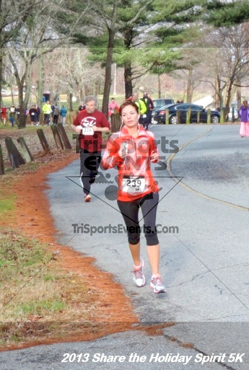 Share the Holiday Spirit 5K<br><br><br><br><a href='http://www.trisportsevents.com/pics/042.JPG' download='042.JPG'>Click here to download.</a><Br><a href='http://www.facebook.com/sharer.php?u=http:%2F%2Fwww.trisportsevents.com%2Fpics%2F042.JPG&t=Share the Holiday Spirit 5K' target='_blank'><img src='images/fb_share.png' width='100'></a>
