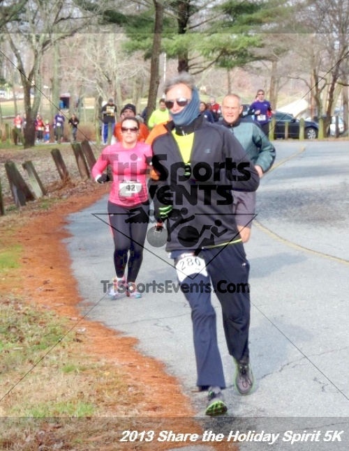 Share the Holiday Spirit 5K<br><br><br><br><a href='http://www.trisportsevents.com/pics/044.JPG' download='044.JPG'>Click here to download.</a><Br><a href='http://www.facebook.com/sharer.php?u=http:%2F%2Fwww.trisportsevents.com%2Fpics%2F044.JPG&t=Share the Holiday Spirit 5K' target='_blank'><img src='images/fb_share.png' width='100'></a>