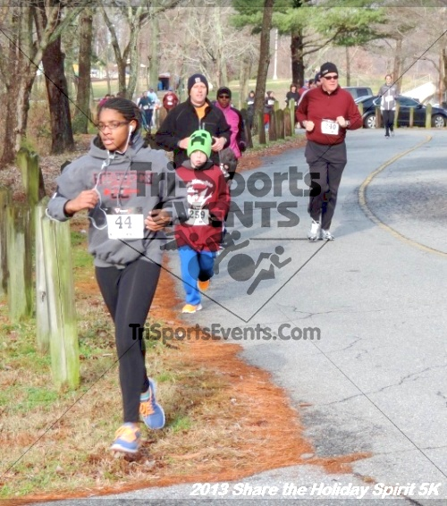 Share the Holiday Spirit 5K<br><br><br><br><a href='http://www.trisportsevents.com/pics/049.JPG' download='049.JPG'>Click here to download.</a><Br><a href='http://www.facebook.com/sharer.php?u=http:%2F%2Fwww.trisportsevents.com%2Fpics%2F049.JPG&t=Share the Holiday Spirit 5K' target='_blank'><img src='images/fb_share.png' width='100'></a>