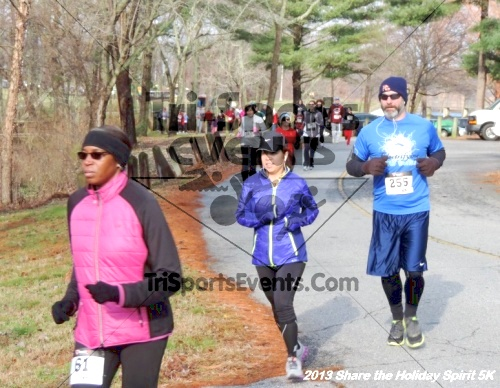 Share the Holiday Spirit 5K<br><br><br><br><a href='http://www.trisportsevents.com/pics/050.JPG' download='050.JPG'>Click here to download.</a><Br><a href='http://www.facebook.com/sharer.php?u=http:%2F%2Fwww.trisportsevents.com%2Fpics%2F050.JPG&t=Share the Holiday Spirit 5K' target='_blank'><img src='images/fb_share.png' width='100'></a>