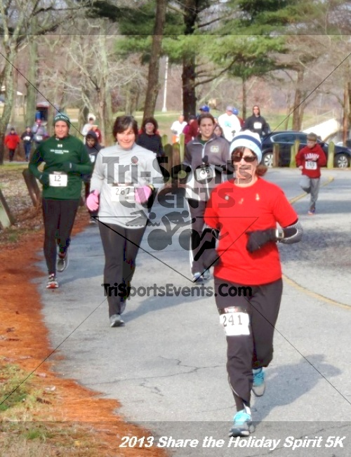 Share the Holiday Spirit 5K<br><br><br><br><a href='http://www.trisportsevents.com/pics/051.JPG' download='051.JPG'>Click here to download.</a><Br><a href='http://www.facebook.com/sharer.php?u=http:%2F%2Fwww.trisportsevents.com%2Fpics%2F051.JPG&t=Share the Holiday Spirit 5K' target='_blank'><img src='images/fb_share.png' width='100'></a>