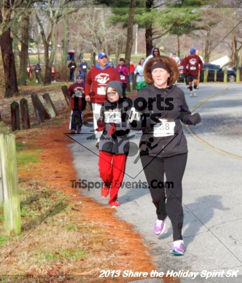 Share the Holiday Spirit 5K<br><br><br><br><a href='http://www.trisportsevents.com/pics/053.JPG' download='053.JPG'>Click here to download.</a><Br><a href='http://www.facebook.com/sharer.php?u=http:%2F%2Fwww.trisportsevents.com%2Fpics%2F053.JPG&t=Share the Holiday Spirit 5K' target='_blank'><img src='images/fb_share.png' width='100'></a>
