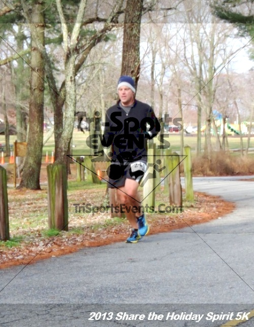 Share the Holiday Spirit 5K<br><br><br><br><a href='http://www.trisportsevents.com/pics/058.JPG' download='058.JPG'>Click here to download.</a><Br><a href='http://www.facebook.com/sharer.php?u=http:%2F%2Fwww.trisportsevents.com%2Fpics%2F058.JPG&t=Share the Holiday Spirit 5K' target='_blank'><img src='images/fb_share.png' width='100'></a>