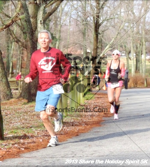 Share the Holiday Spirit 5K<br><br><br><br><a href='http://www.trisportsevents.com/pics/059.JPG' download='059.JPG'>Click here to download.</a><Br><a href='http://www.facebook.com/sharer.php?u=http:%2F%2Fwww.trisportsevents.com%2Fpics%2F059.JPG&t=Share the Holiday Spirit 5K' target='_blank'><img src='images/fb_share.png' width='100'></a>