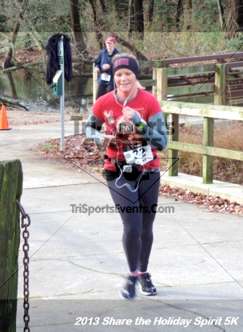 Share the Holiday Spirit 5K<br><br><br><br><a href='http://www.trisportsevents.com/pics/076.JPG' download='076.JPG'>Click here to download.</a><Br><a href='http://www.facebook.com/sharer.php?u=http:%2F%2Fwww.trisportsevents.com%2Fpics%2F076.JPG&t=Share the Holiday Spirit 5K' target='_blank'><img src='images/fb_share.png' width='100'></a>