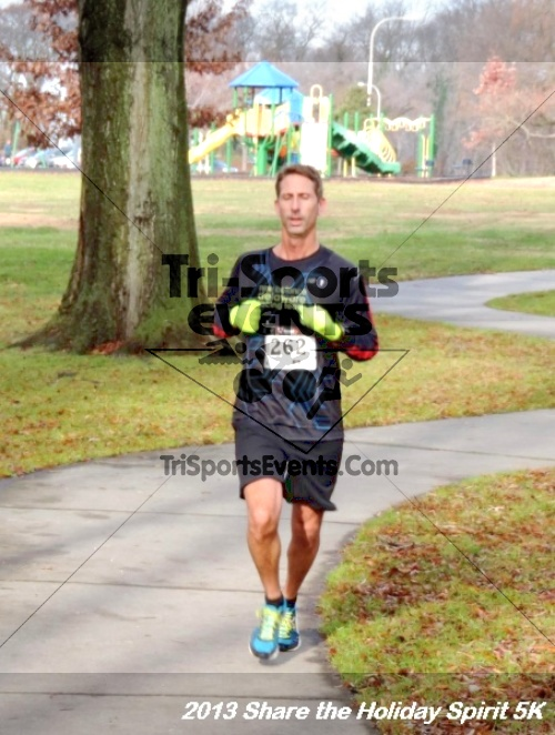Share the Holiday Spirit 5K<br><br><br><br><a href='http://www.trisportsevents.com/pics/096.JPG' download='096.JPG'>Click here to download.</a><Br><a href='http://www.facebook.com/sharer.php?u=http:%2F%2Fwww.trisportsevents.com%2Fpics%2F096.JPG&t=Share the Holiday Spirit 5K' target='_blank'><img src='images/fb_share.png' width='100'></a>