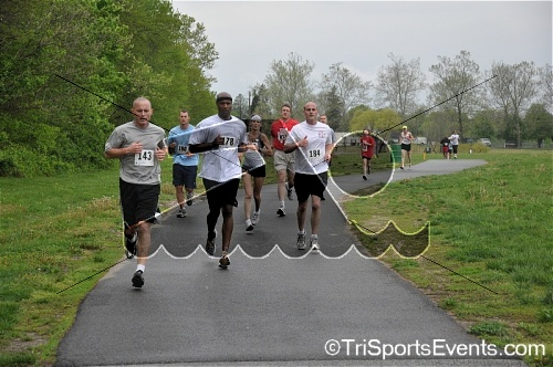 Photo4<br><br><br><br><a href='http://www.trisportsevents.com/pics/09_Trooper_Ron's_5K_045.jpg' download='09_Trooper_Ron's_5K_045.jpg'>Click here to download.</a><Br><a href='http://www.facebook.com/sharer.php?u=http:%2F%2Fwww.trisportsevents.com%2Fpics%2F09_Trooper_Ron's_5K_045.jpg&t=Photo4' target='_blank'><img src='images/fb_share.png' width='100'></a>