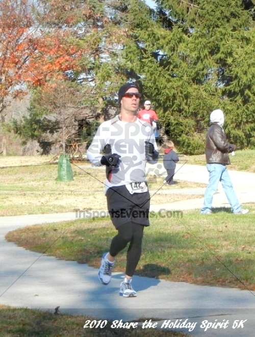 Share the Holiday Spirit 5K In Memory of Laura Gondeck<br><br><br><br><a href='http://www.trisportsevents.com/pics/10_Holiday_Spirit_006.JPG' download='10_Holiday_Spirit_006.JPG'>Click here to download.</a><Br><a href='http://www.facebook.com/sharer.php?u=http:%2F%2Fwww.trisportsevents.com%2Fpics%2F10_Holiday_Spirit_006.JPG&t=Share the Holiday Spirit 5K In Memory of Laura Gondeck' target='_blank'><img src='images/fb_share.png' width='100'></a>