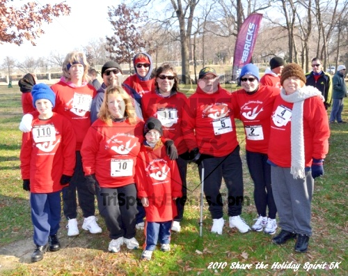 Share the Holiday Spirit 5K In Memory of Laura Gondeck<br><br><br><br><a href='http://www.trisportsevents.com/pics/10_Holiday_Spirit_I_005.JPG' download='10_Holiday_Spirit_I_005.JPG'>Click here to download.</a><Br><a href='http://www.facebook.com/sharer.php?u=http:%2F%2Fwww.trisportsevents.com%2Fpics%2F10_Holiday_Spirit_I_005.JPG&t=Share the Holiday Spirit 5K In Memory of Laura Gondeck' target='_blank'><img src='images/fb_share.png' width='100'></a>