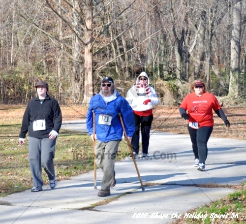 Share the Holiday Spirit 5K In Memory of Laura Gondeck<br><br><br><br><a href='http://www.trisportsevents.com/pics/10_Holiday_Spirit_I_052.JPG' download='10_Holiday_Spirit_I_052.JPG'>Click here to download.</a><Br><a href='http://www.facebook.com/sharer.php?u=http:%2F%2Fwww.trisportsevents.com%2Fpics%2F10_Holiday_Spirit_I_052.JPG&t=Share the Holiday Spirit 5K In Memory of Laura Gondeck' target='_blank'><img src='images/fb_share.png' width='100'></a>