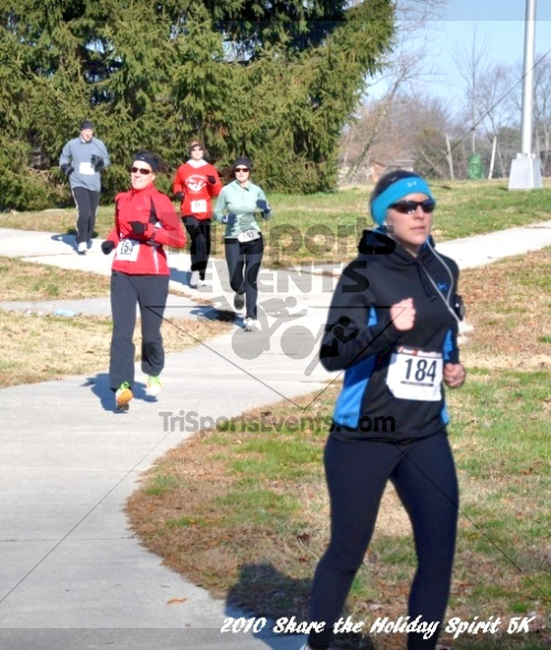 Share the Holiday Spirit 5K In Memory of Laura Gondeck<br><br><br><br><a href='http://www.trisportsevents.com/pics/10_Holiday_Spirit_I_076.JPG' download='10_Holiday_Spirit_I_076.JPG'>Click here to download.</a><Br><a href='http://www.facebook.com/sharer.php?u=http:%2F%2Fwww.trisportsevents.com%2Fpics%2F10_Holiday_Spirit_I_076.JPG&t=Share the Holiday Spirit 5K In Memory of Laura Gondeck' target='_blank'><img src='images/fb_share.png' width='100'></a>