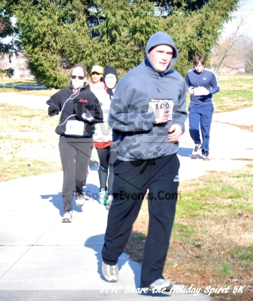 Share the Holiday Spirit 5K In Memory of Laura Gondeck<br><br><br><br><a href='http://www.trisportsevents.com/pics/10_Holiday_Spirit_I_086.JPG' download='10_Holiday_Spirit_I_086.JPG'>Click here to download.</a><Br><a href='http://www.facebook.com/sharer.php?u=http:%2F%2Fwww.trisportsevents.com%2Fpics%2F10_Holiday_Spirit_I_086.JPG&t=Share the Holiday Spirit 5K In Memory of Laura Gondeck' target='_blank'><img src='images/fb_share.png' width='100'></a>
