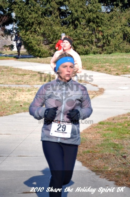 Share the Holiday Spirit 5K In Memory of Laura Gondeck<br><br><br><br><a href='http://www.trisportsevents.com/pics/10_Holiday_Spirit_I_088.JPG' download='10_Holiday_Spirit_I_088.JPG'>Click here to download.</a><Br><a href='http://www.facebook.com/sharer.php?u=http:%2F%2Fwww.trisportsevents.com%2Fpics%2F10_Holiday_Spirit_I_088.JPG&t=Share the Holiday Spirit 5K In Memory of Laura Gondeck' target='_blank'><img src='images/fb_share.png' width='100'></a>