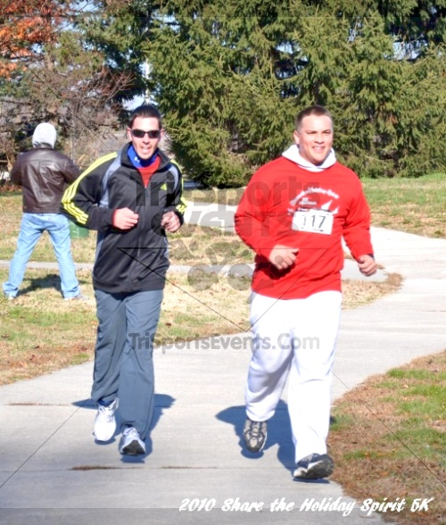 Share the Holiday Spirit 5K In Memory of Laura Gondeck<br><br><br><br><a href='http://www.trisportsevents.com/pics/10_Holiday_Spirit_I_091.JPG' download='10_Holiday_Spirit_I_091.JPG'>Click here to download.</a><Br><a href='http://www.facebook.com/sharer.php?u=http:%2F%2Fwww.trisportsevents.com%2Fpics%2F10_Holiday_Spirit_I_091.JPG&t=Share the Holiday Spirit 5K In Memory of Laura Gondeck' target='_blank'><img src='images/fb_share.png' width='100'></a>