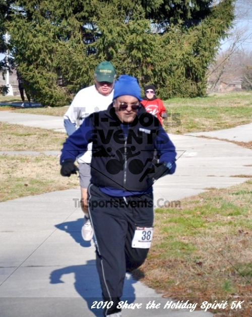 Share the Holiday Spirit 5K In Memory of Laura Gondeck<br><br><br><br><a href='http://www.trisportsevents.com/pics/10_Holiday_Spirit_I_095.JPG' download='10_Holiday_Spirit_I_095.JPG'>Click here to download.</a><Br><a href='http://www.facebook.com/sharer.php?u=http:%2F%2Fwww.trisportsevents.com%2Fpics%2F10_Holiday_Spirit_I_095.JPG&t=Share the Holiday Spirit 5K In Memory of Laura Gondeck' target='_blank'><img src='images/fb_share.png' width='100'></a>