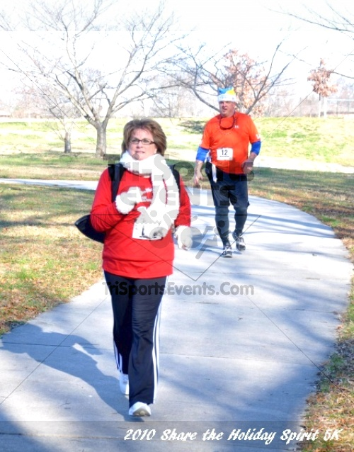 Share the Holiday Spirit 5K In Memory of Laura Gondeck<br><br><br><br><a href='http://www.trisportsevents.com/pics/10_Holiday_Spirit_I_111.JPG' download='10_Holiday_Spirit_I_111.JPG'>Click here to download.</a><Br><a href='http://www.facebook.com/sharer.php?u=http:%2F%2Fwww.trisportsevents.com%2Fpics%2F10_Holiday_Spirit_I_111.JPG&t=Share the Holiday Spirit 5K In Memory of Laura Gondeck' target='_blank'><img src='images/fb_share.png' width='100'></a>