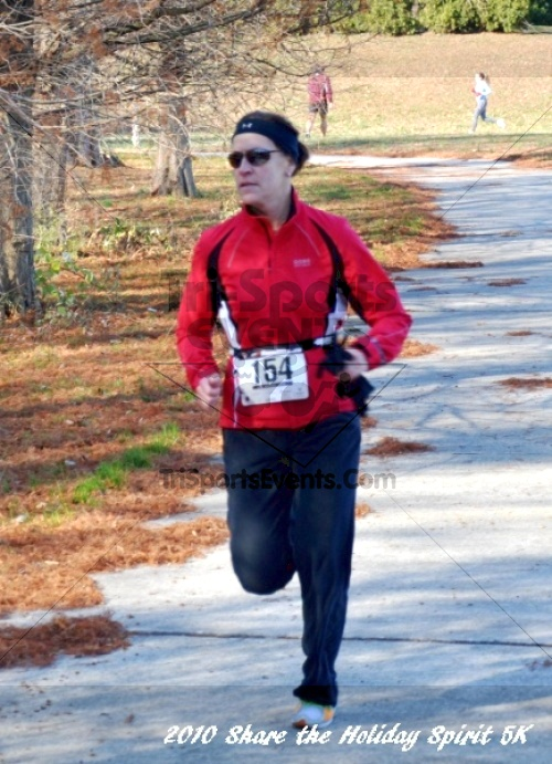 Share the Holiday Spirit 5K In Memory of Laura Gondeck<br><br><br><br><a href='http://www.trisportsevents.com/pics/10_Holiday_Spirit_I_127.JPG' download='10_Holiday_Spirit_I_127.JPG'>Click here to download.</a><Br><a href='http://www.facebook.com/sharer.php?u=http:%2F%2Fwww.trisportsevents.com%2Fpics%2F10_Holiday_Spirit_I_127.JPG&t=Share the Holiday Spirit 5K In Memory of Laura Gondeck' target='_blank'><img src='images/fb_share.png' width='100'></a>