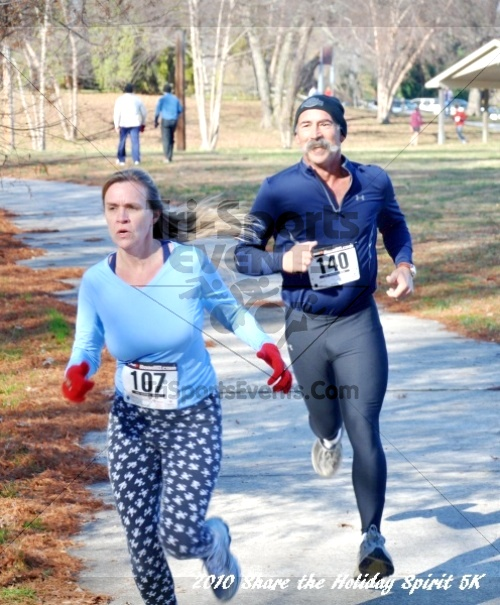 Share the Holiday Spirit 5K In Memory of Laura Gondeck<br><br><br><br><a href='http://www.trisportsevents.com/pics/10_Holiday_Spirit_I_128.JPG' download='10_Holiday_Spirit_I_128.JPG'>Click here to download.</a><Br><a href='http://www.facebook.com/sharer.php?u=http:%2F%2Fwww.trisportsevents.com%2Fpics%2F10_Holiday_Spirit_I_128.JPG&t=Share the Holiday Spirit 5K In Memory of Laura Gondeck' target='_blank'><img src='images/fb_share.png' width='100'></a>