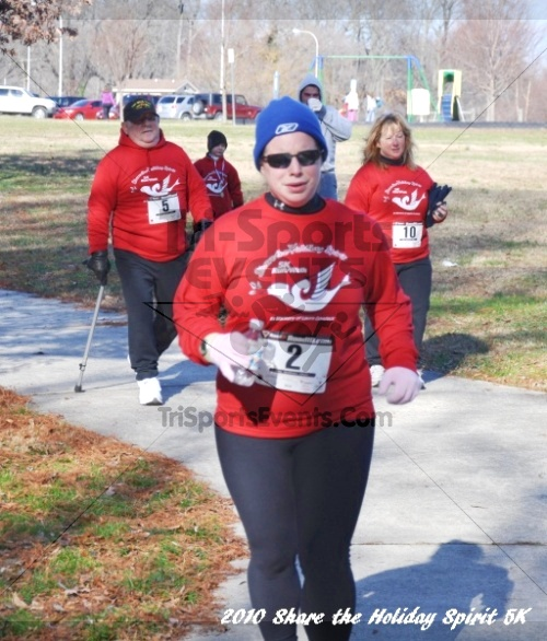 Share the Holiday Spirit 5K In Memory of Laura Gondeck<br><br><br><br><a href='http://www.trisportsevents.com/pics/10_Holiday_Spirit_I_129.JPG' download='10_Holiday_Spirit_I_129.JPG'>Click here to download.</a><Br><a href='http://www.facebook.com/sharer.php?u=http:%2F%2Fwww.trisportsevents.com%2Fpics%2F10_Holiday_Spirit_I_129.JPG&t=Share the Holiday Spirit 5K In Memory of Laura Gondeck' target='_blank'><img src='images/fb_share.png' width='100'></a>