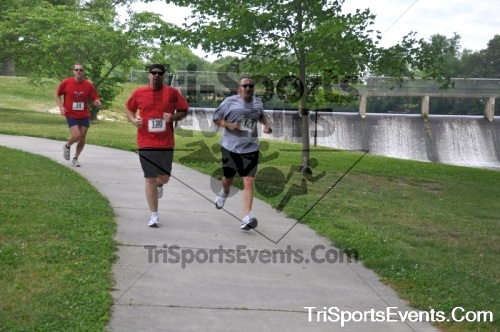 No Fear Frear 5K Run/Walk<br><br><br><br><a href='https://www.trisportsevents.com/pics/10_No_Fear_Frear_097.JPG' download='10_No_Fear_Frear_097.JPG'>Click here to download.</a><Br><a href='http://www.facebook.com/sharer.php?u=http:%2F%2Fwww.trisportsevents.com%2Fpics%2F10_No_Fear_Frear_097.JPG&t=No Fear Frear 5K Run/Walk' target='_blank'><img src='images/fb_share.png' width='100'></a>