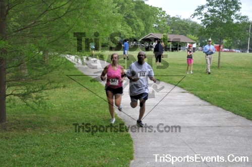 No Fear Frear 5K Run/Walk<br><br><br><br><a href='https://www.trisportsevents.com/pics/10_No_Fear_Frear_146.JPG' download='10_No_Fear_Frear_146.JPG'>Click here to download.</a><Br><a href='http://www.facebook.com/sharer.php?u=http:%2F%2Fwww.trisportsevents.com%2Fpics%2F10_No_Fear_Frear_146.JPG&t=No Fear Frear 5K Run/Walk' target='_blank'><img src='images/fb_share.png' width='100'></a>