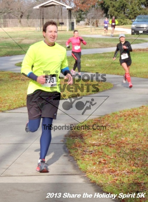 Share the Holiday Spirit 5K<br><br><br><br><a href='http://www.trisportsevents.com/pics/110.JPG' download='110.JPG'>Click here to download.</a><Br><a href='http://www.facebook.com/sharer.php?u=http:%2F%2Fwww.trisportsevents.com%2Fpics%2F110.JPG&t=Share the Holiday Spirit 5K' target='_blank'><img src='images/fb_share.png' width='100'></a>