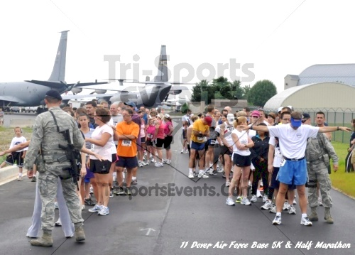 2nd Dover Air Force Base 5K & Half Marathon<br><br><br><br><a href='https://www.trisportsevents.com/pics/11_DAFB_5K_&_Half_Marathon_009.JPG' download='11_DAFB_5K_&_Half_Marathon_009.JPG'>Click here to download.</a><Br><a href='http://www.facebook.com/sharer.php?u=http:%2F%2Fwww.trisportsevents.com%2Fpics%2F11_DAFB_5K_&_Half_Marathon_009.JPG&t=2nd Dover Air Force Base 5K & Half Marathon' target='_blank'><img src='images/fb_share.png' width='100'></a>