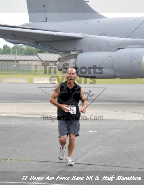 2nd Dover Air Force Base 5K & Half Marathon<br><br><br><br><a href='https://www.trisportsevents.com/pics/11_DAFB_5K_&_Half_Marathon_023.JPG' download='11_DAFB_5K_&_Half_Marathon_023.JPG'>Click here to download.</a><Br><a href='http://www.facebook.com/sharer.php?u=http:%2F%2Fwww.trisportsevents.com%2Fpics%2F11_DAFB_5K_&_Half_Marathon_023.JPG&t=2nd Dover Air Force Base 5K & Half Marathon' target='_blank'><img src='images/fb_share.png' width='100'></a>