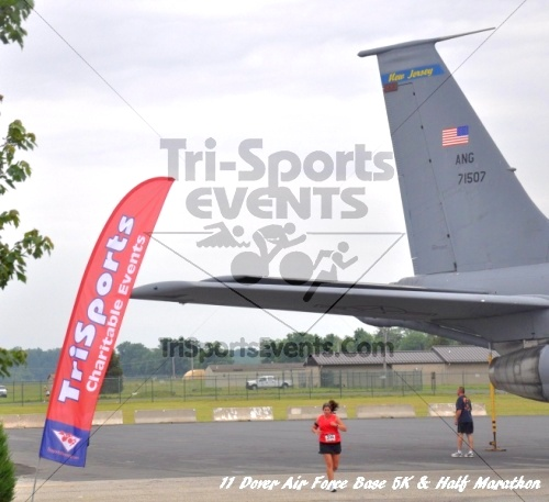2nd Dover Air Force Base 5K & Half Marathon<br><br><br><br><a href='https://www.trisportsevents.com/pics/11_DAFB_5K_&_Half_Marathon_093.JPG' download='11_DAFB_5K_&_Half_Marathon_093.JPG'>Click here to download.</a><Br><a href='http://www.facebook.com/sharer.php?u=http:%2F%2Fwww.trisportsevents.com%2Fpics%2F11_DAFB_5K_&_Half_Marathon_093.JPG&t=2nd Dover Air Force Base 5K & Half Marathon' target='_blank'><img src='images/fb_share.png' width='100'></a>