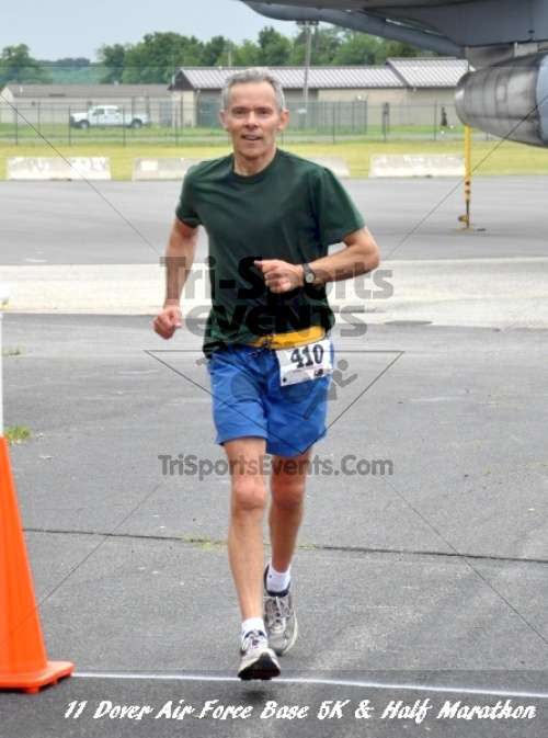 2nd Dover Air Force Base 5K & Half Marathon<br><br><br><br><a href='https://www.trisportsevents.com/pics/11_DAFB_5K_&_Half_Marathon_156.JPG' download='11_DAFB_5K_&_Half_Marathon_156.JPG'>Click here to download.</a><Br><a href='http://www.facebook.com/sharer.php?u=http:%2F%2Fwww.trisportsevents.com%2Fpics%2F11_DAFB_5K_&_Half_Marathon_156.JPG&t=2nd Dover Air Force Base 5K & Half Marathon' target='_blank'><img src='images/fb_share.png' width='100'></a>