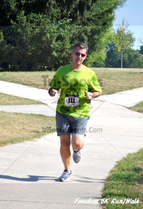 Freedom 5K Run/Walk<br><br><br><br><a href='https://www.trisportsevents.com/pics/11_Freedom_5K_044.JPG' download='11_Freedom_5K_044.JPG'>Click here to download.</a><Br><a href='http://www.facebook.com/sharer.php?u=http:%2F%2Fwww.trisportsevents.com%2Fpics%2F11_Freedom_5K_044.JPG&t=Freedom 5K Run/Walk' target='_blank'><img src='images/fb_share.png' width='100'></a>