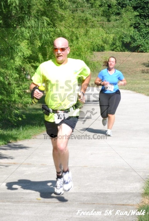 Freedom 5K Run/Walk<br><br><br><br><a href='http://www.trisportsevents.com/pics/11_Freedom_5K_115.JPG' download='11_Freedom_5K_115.JPG'>Click here to download.</a><Br><a href='http://www.facebook.com/sharer.php?u=http:%2F%2Fwww.trisportsevents.com%2Fpics%2F11_Freedom_5K_115.JPG&t=Freedom 5K Run/Walk' target='_blank'><img src='images/fb_share.png' width='100'></a>