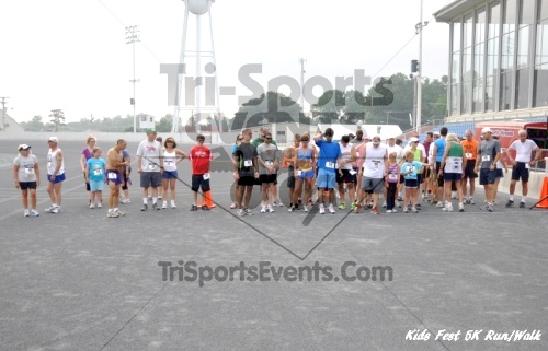 Kids Fest Be Great 5K Run/Walk<br><br><br><br><a href='https://www.trisportsevents.com/pics/11_Kids_Fest_5K_007.JPG' download='11_Kids_Fest_5K_007.JPG'>Click here to download.</a><Br><a href='http://www.facebook.com/sharer.php?u=http:%2F%2Fwww.trisportsevents.com%2Fpics%2F11_Kids_Fest_5K_007.JPG&t=Kids Fest Be Great 5K Run/Walk' target='_blank'><img src='images/fb_share.png' width='100'></a>