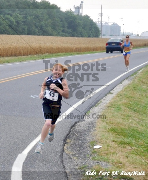 Kids Fest Be Great 5K Run/Walk<br><br><br><br><a href='https://www.trisportsevents.com/pics/11_Kids_Fest_5K_011.JPG' download='11_Kids_Fest_5K_011.JPG'>Click here to download.</a><Br><a href='http://www.facebook.com/sharer.php?u=http:%2F%2Fwww.trisportsevents.com%2Fpics%2F11_Kids_Fest_5K_011.JPG&t=Kids Fest Be Great 5K Run/Walk' target='_blank'><img src='images/fb_share.png' width='100'></a>