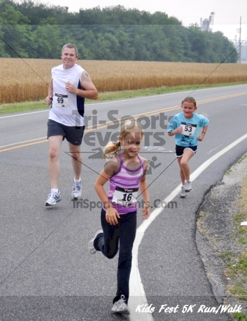 Kids Fest Be Great 5K Run/Walk<br><br><br><br><a href='https://www.trisportsevents.com/pics/11_Kids_Fest_5K_022.JPG' download='11_Kids_Fest_5K_022.JPG'>Click here to download.</a><Br><a href='http://www.facebook.com/sharer.php?u=http:%2F%2Fwww.trisportsevents.com%2Fpics%2F11_Kids_Fest_5K_022.JPG&t=Kids Fest Be Great 5K Run/Walk' target='_blank'><img src='images/fb_share.png' width='100'></a>