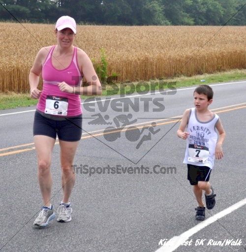 Kids Fest Be Great 5K Run/Walk<br><br><br><br><a href='http://www.trisportsevents.com/pics/11_Kids_Fest_5K_029.JPG' download='11_Kids_Fest_5K_029.JPG'>Click here to download.</a><Br><a href='http://www.facebook.com/sharer.php?u=http:%2F%2Fwww.trisportsevents.com%2Fpics%2F11_Kids_Fest_5K_029.JPG&t=Kids Fest Be Great 5K Run/Walk' target='_blank'><img src='images/fb_share.png' width='100'></a>