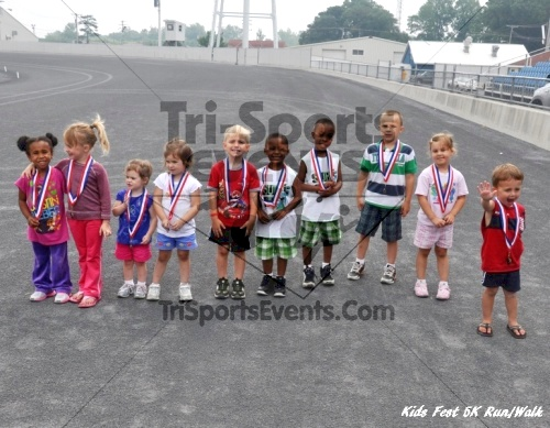 Kids Fest Be Great 5K Run/Walk<br><br><br><br><a href='http://www.trisportsevents.com/pics/11_Kids_Fest_5K_087.JPG' download='11_Kids_Fest_5K_087.JPG'>Click here to download.</a><Br><a href='http://www.facebook.com/sharer.php?u=http:%2F%2Fwww.trisportsevents.com%2Fpics%2F11_Kids_Fest_5K_087.JPG&t=Kids Fest Be Great 5K Run/Walk' target='_blank'><img src='images/fb_share.png' width='100'></a>