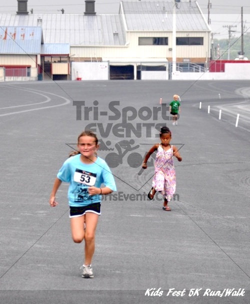 Kids Fest Be Great 5K Run/Walk<br><br><br><br><a href='https://www.trisportsevents.com/pics/11_Kids_Fest_5K_093.JPG' download='11_Kids_Fest_5K_093.JPG'>Click here to download.</a><Br><a href='http://www.facebook.com/sharer.php?u=http:%2F%2Fwww.trisportsevents.com%2Fpics%2F11_Kids_Fest_5K_093.JPG&t=Kids Fest Be Great 5K Run/Walk' target='_blank'><img src='images/fb_share.png' width='100'></a>