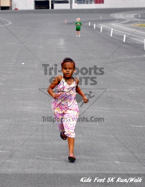 Kids Fest Be Great 5K Run/Walk<br><br><br><br><a href='https://www.trisportsevents.com/pics/11_Kids_Fest_5K_094.JPG' download='11_Kids_Fest_5K_094.JPG'>Click here to download.</a><Br><a href='http://www.facebook.com/sharer.php?u=http:%2F%2Fwww.trisportsevents.com%2Fpics%2F11_Kids_Fest_5K_094.JPG&t=Kids Fest Be Great 5K Run/Walk' target='_blank'><img src='images/fb_share.png' width='100'></a>