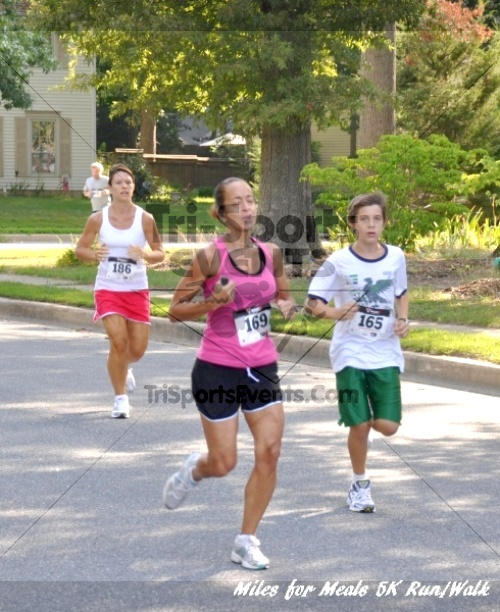 Miles for Meals 5K Run/Walk<br><br><br><br><a href='http://www.trisportsevents.com/pics/11_Miles_for_Meals_5k_013.JPG' download='11_Miles_for_Meals_5k_013.JPG'>Click here to download.</a><Br><a href='http://www.facebook.com/sharer.php?u=http:%2F%2Fwww.trisportsevents.com%2Fpics%2F11_Miles_for_Meals_5k_013.JPG&t=Miles for Meals 5K Run/Walk' target='_blank'><img src='images/fb_share.png' width='100'></a>