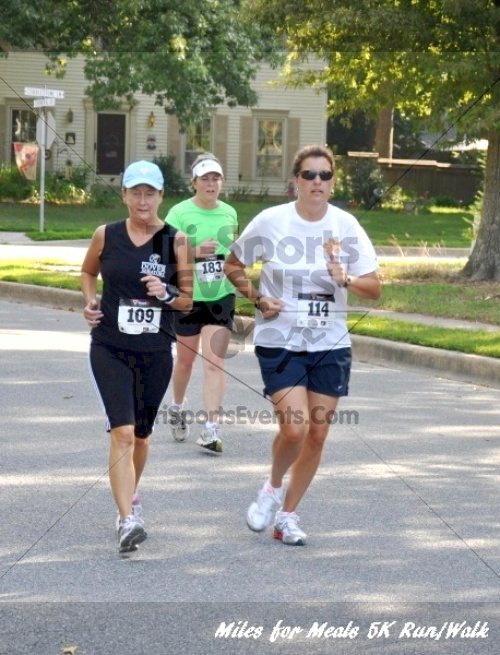 Miles for Meals 5K Run/Walk<br><br><br><br><a href='http://www.trisportsevents.com/pics/11_Miles_for_Meals_5k_032.JPG' download='11_Miles_for_Meals_5k_032.JPG'>Click here to download.</a><Br><a href='http://www.facebook.com/sharer.php?u=http:%2F%2Fwww.trisportsevents.com%2Fpics%2F11_Miles_for_Meals_5k_032.JPG&t=Miles for Meals 5K Run/Walk' target='_blank'><img src='images/fb_share.png' width='100'></a>