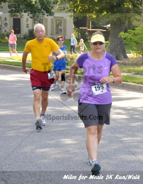Miles for Meals 5K Run/Walk<br><br><br><br><a href='http://www.trisportsevents.com/pics/11_Miles_for_Meals_5k_039.JPG' download='11_Miles_for_Meals_5k_039.JPG'>Click here to download.</a><Br><a href='http://www.facebook.com/sharer.php?u=http:%2F%2Fwww.trisportsevents.com%2Fpics%2F11_Miles_for_Meals_5k_039.JPG&t=Miles for Meals 5K Run/Walk' target='_blank'><img src='images/fb_share.png' width='100'></a>