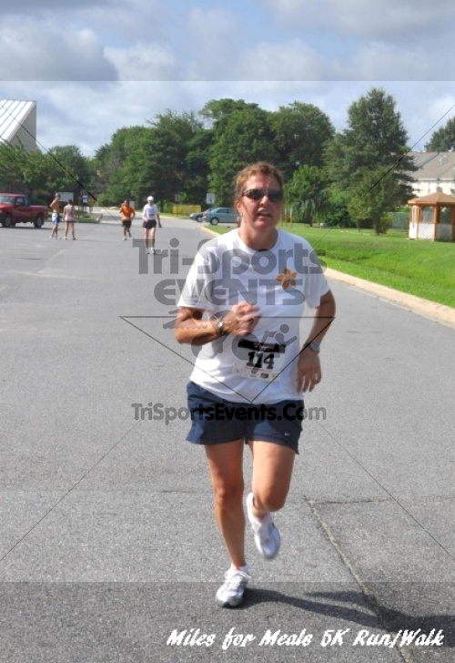 Miles for Meals 5K Run/Walk<br><br><br><br><a href='http://www.trisportsevents.com/pics/11_Miles_for_Meals_5k_136.JPG' download='11_Miles_for_Meals_5k_136.JPG'>Click here to download.</a><Br><a href='http://www.facebook.com/sharer.php?u=http:%2F%2Fwww.trisportsevents.com%2Fpics%2F11_Miles_for_Meals_5k_136.JPG&t=Miles for Meals 5K Run/Walk' target='_blank'><img src='images/fb_share.png' width='100'></a>