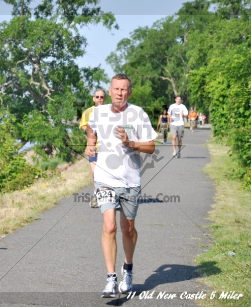 28th Old New Castle 5 Mile Run<br><br><br><br><a href='http://www.trisportsevents.com/pics/11_New_Castle_5_Miler_081.JPG' download='11_New_Castle_5_Miler_081.JPG'>Click here to download.</a><Br><a href='http://www.facebook.com/sharer.php?u=http:%2F%2Fwww.trisportsevents.com%2Fpics%2F11_New_Castle_5_Miler_081.JPG&t=28th Old New Castle 5 Mile Run' target='_blank'><img src='images/fb_share.png' width='100'></a>