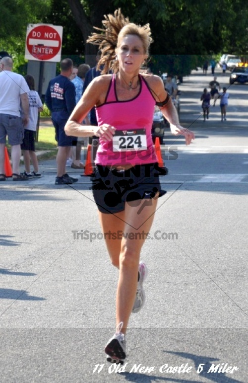28th Old New Castle 5 Mile Run<br><br><br><br><a href='https://www.trisportsevents.com/pics/11_New_Castle_5_Miler_149.JPG' download='11_New_Castle_5_Miler_149.JPG'>Click here to download.</a><Br><a href='http://www.facebook.com/sharer.php?u=http:%2F%2Fwww.trisportsevents.com%2Fpics%2F11_New_Castle_5_Miler_149.JPG&t=28th Old New Castle 5 Mile Run' target='_blank'><img src='images/fb_share.png' width='100'></a>