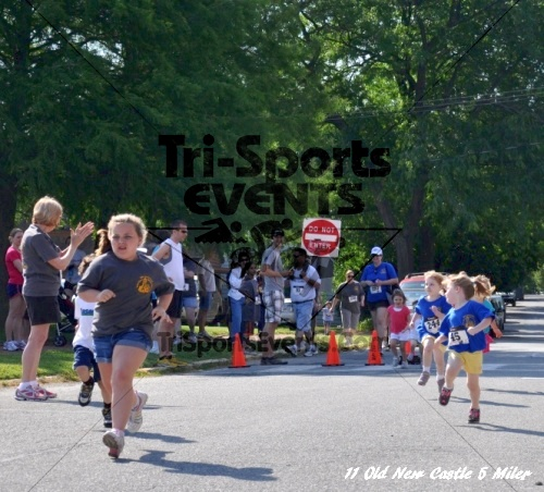 28th Old New Castle 5 Mile Run<br><br><br><br><a href='https://www.trisportsevents.com/pics/11_New_Castle_5_Miler_184.JPG' download='11_New_Castle_5_Miler_184.JPG'>Click here to download.</a><Br><a href='http://www.facebook.com/sharer.php?u=http:%2F%2Fwww.trisportsevents.com%2Fpics%2F11_New_Castle_5_Miler_184.JPG&t=28th Old New Castle 5 Mile Run' target='_blank'><img src='images/fb_share.png' width='100'></a>