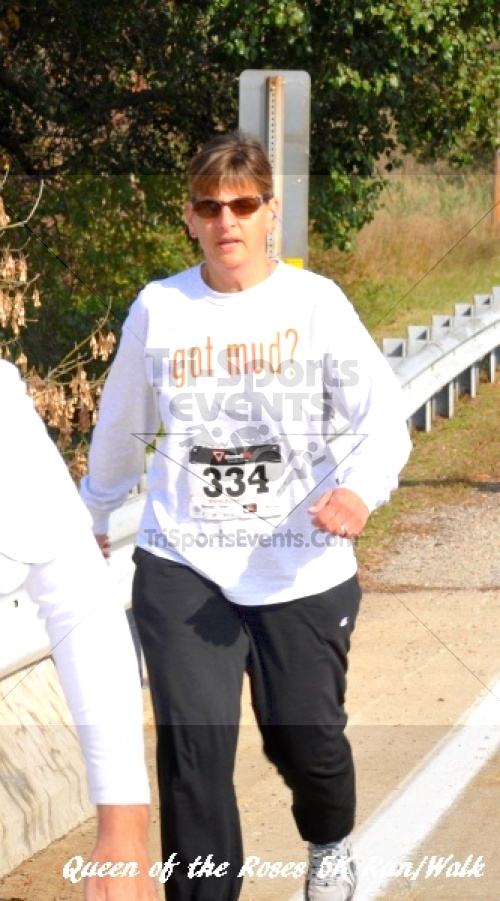 Queen of the Roses 5K Run/Walk<br><br><br><br><a href='http://www.trisportsevents.com/pics/11_Queen_of_the_Roses_069.JPG' download='11_Queen_of_the_Roses_069.JPG'>Click here to download.</a><Br><a href='http://www.facebook.com/sharer.php?u=http:%2F%2Fwww.trisportsevents.com%2Fpics%2F11_Queen_of_the_Roses_069.JPG&t=Queen of the Roses 5K Run/Walk' target='_blank'><img src='images/fb_share.png' width='100'></a>